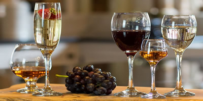Бокалы для вина виски и коньяка