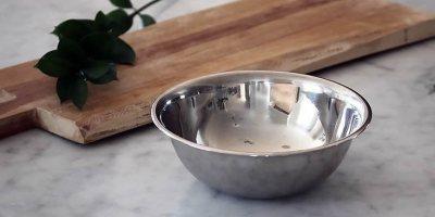 Посуд з нержавіючої сталі